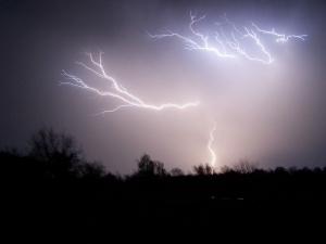 Overspenningsvern beskytter mot lyn